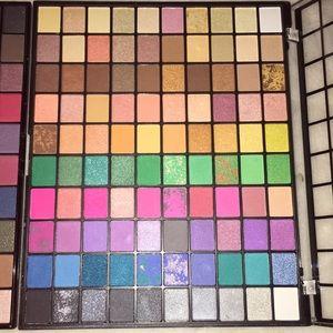NEW 2 Large Eyeshadow Palettes
